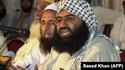 ملا مسعود اظهر، رهبر گروه جیش محمد. او در سال ۱۹۹۹ از زندانی در هند در معاوضه با یک گروگان هندی آزاد شد. (عکس از آرشیو)