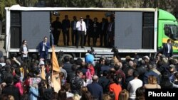 Armenia -- Prime Minister Nikol Pashinian speaks at a referendum campaign rally in Vayk, March 12, 2020.