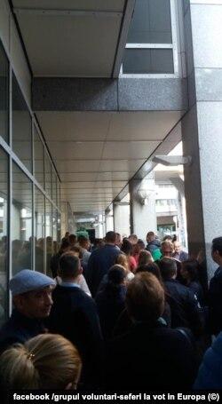 Românii votează și la Sttutgart