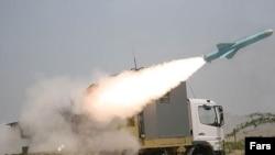 جاش موراچیک از آمریکن اینتر پرایز: اگر جنگ اتفاق بیافتد ایران تلافی خواهد کرد ولی ارزش آن را دارد که کشوری را که شعار رسمیش «مرگ بر آمریکاست» را متوقف کنیم.