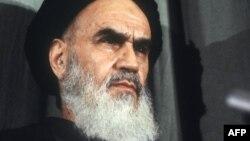 رساله بنیانگذار جمهوری اسلامی در کشور تاجیکستان ممنوع شد
