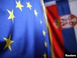 Zastave Srbije i EU