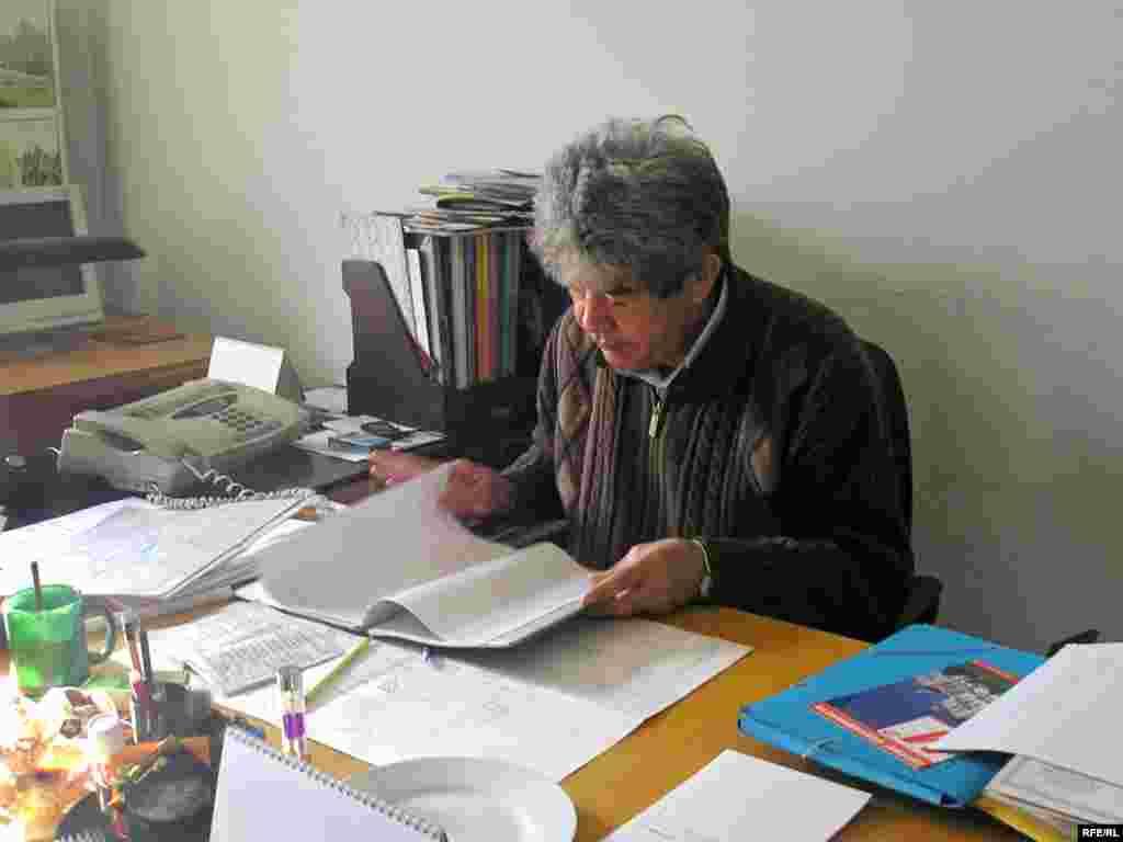 """Мэлс Елеусізов, """"Табиғат"""" экологиялық одағының басшысы. Алматы, 19 қаңтар 2009 жыл."""