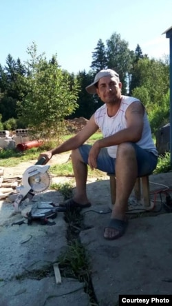 Ғайрат Маъмуров, Орзуро аз гаражи нимавайронае пайдо кардааст.