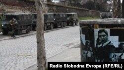 Архивска фотографија: Зголемено присуство на полицијата по минатогодишниот меѓуетнички инцидент на скопското Кале. 19 февруари 2011 година.