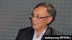 Қоғамдық белсенді, блогер Қазбек Бейсебаев. Алматы, 9 қазан 2015 жыл.