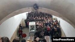 Из-за технических неполадок метро несколько раз останавливалось в марте