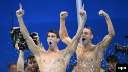Michael Phelps və Caeleb Dressel