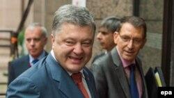 Петро Порошенко Брюсселде Евробиримдиктин өкүлдөрү менен.