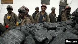 Робітники шахти «Холодна балка» в окупованій Макіївці, Донецька оболасть, вересень 2016 року