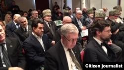 Брюссел -- Нохчийчохь хьалхара тIом болабелла 20 шо кхачарна а, президент Масхадов Аслан вийна 10 шо кхачарна а хьажийна дуьненаюкъара конференци. 07Заз2015
