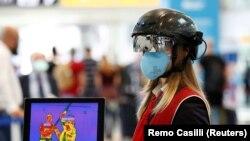 Radnica na aerodromu u Rimu u Italiji