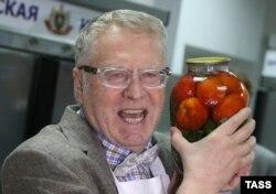 Владимир Жириновский - один из тех, кто уверен, что России импортное продовольствие не нужно