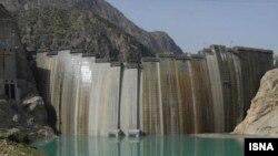 سد کارون ۴ بلندترین سد بتنی ایران محسوب می شود