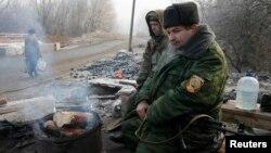 Проросійські сепаратисти на блокпосту у Макіївці, архівне фото