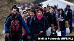Октябрь 2015 года. Беженцы из стран Ближнего Востока пешком идут через Хорватию в Германию