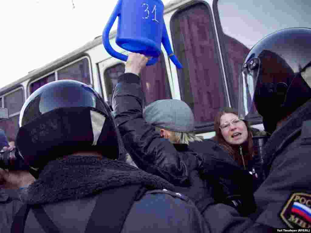 Подібні акції відбувались і в інших російських містах.