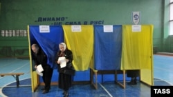 Один из избирательных участков во Львове