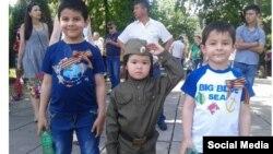 Молодые участники шествия «Бессмертный полк» в Ташкенте. Фото взято из социальных сетей.