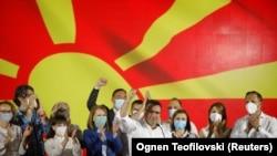 Zoran Zaev i članovi SDSM slave rezultate izbora
