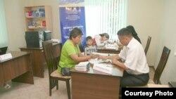 Единый центр по выдаче документов в селе Орок. Фото ПРООН КР