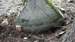 Марийское надгробие. Использованы восточноарабские цифры. Фото предоставлено Александром Акшиковым.