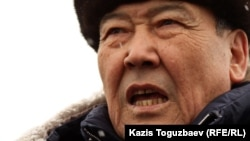 ЖСДП саяси кеңесі мүшесі Балташ Тұрсымбаев. Алматы, 17 қаңтар 2012 жыл.