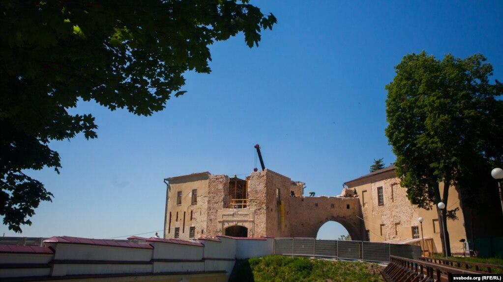 Стары замак уГорадні