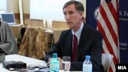 Американскиот амбасадор во Македонија Пол Волерс.