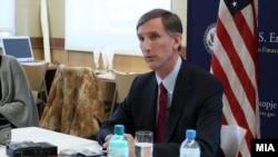 Американскиот амбасадор во Македонија, Пол Волерс