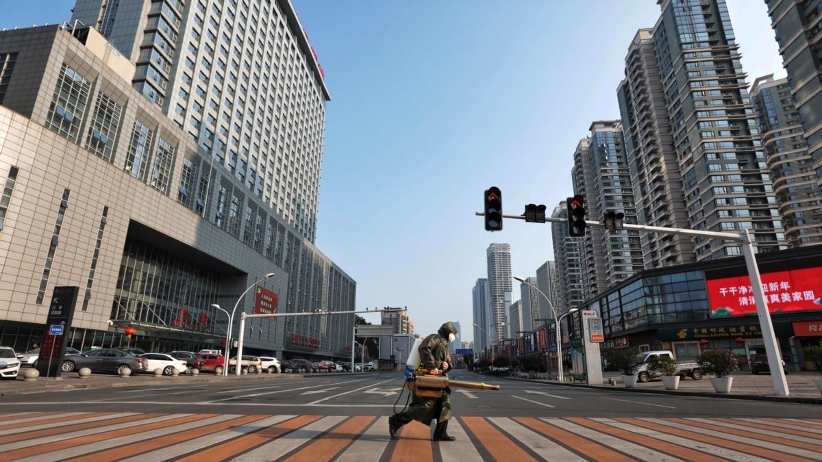 Китай разблокирует провинцию, где началась вспышка коронавирус