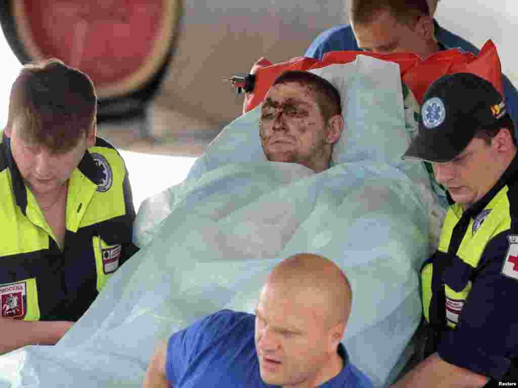 Пострадавший во время крушения самолета под Петрозаводском доставлен в Москву