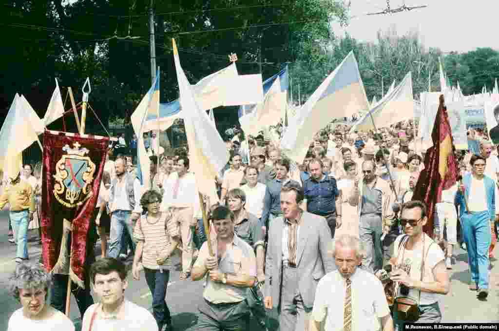 На острові Хортиця і Запоріжжі свято Козацької слави досягло свого піку. Запоріжжя, 5 серпня 1990 року
