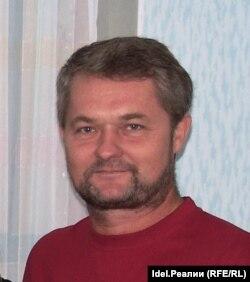 Юрий Стром