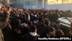 Әскердегі әлімжеттікке қарсы шеру. Баку, 12 қаңтар 2013 жыл.