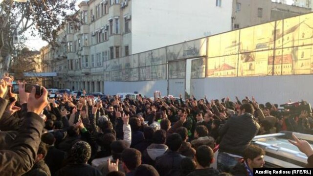 Azerbaijanis protest against deaths in the army in Baku on January 12.