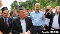Төркиянең Казан баш консулы Турхан Дилмач (с1) һәм Истанбул мэры Кадыйр Топбаш (с2)