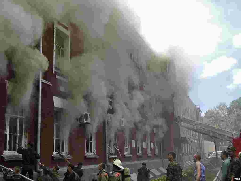 В Тамбове 5 человек погибли и 14 пострадали в результате пожара в штабе войсковой части ГРУ