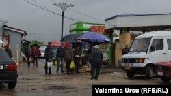 La piața din Strășeni