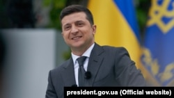Оцінки депутатів щодо першого року каденції президента Зеленського розділились