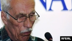 Олег Евлоевтің әкесі Исса Евлоев. Астана, 12 мамыр 2010 жыл.