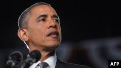 АҚШ президенті Барак Обама Аврорадағы оқиғаға байланысты сөйлеп тұр. Флорида, 20 шілде 2012.