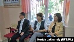 Наблюдатели на участке в Алматы на последних общенациональных выборах в Казахстане — внеочередных президентских выборах в июне 2019 года.