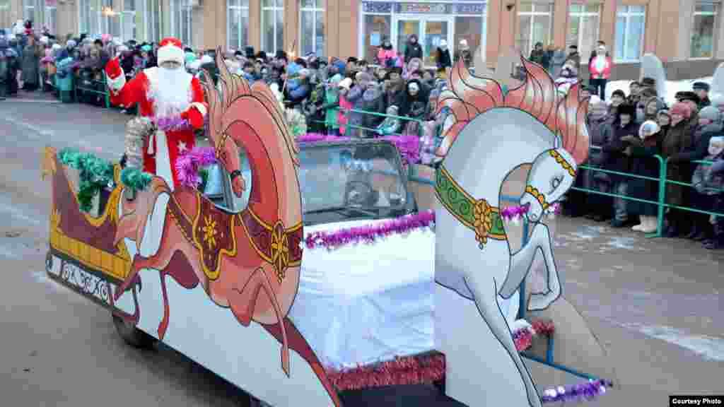 Сабада Кыш бабайлар парады