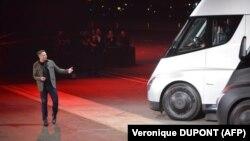 Ілон Маск зреагував на відео, оприлюднене власниками електромобілів його компанії в соцмережах 26 червня
