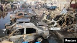 اثار الانفجار بالقرب من مسجد للشيعة في بغداد