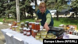 Moldova - easter market in Tiraspol