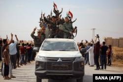 Войска Башара Асада входят в город Айн-Иса. 14 октября 2019 года