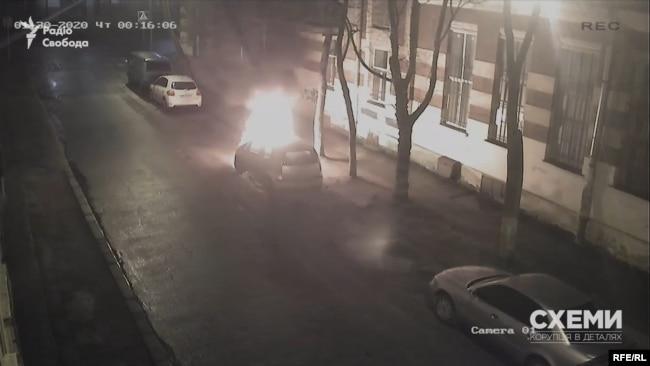 «Схеми» свідомо вирішили не озвучувати версії щодо можливих замовників підпалу автівки журналістки Галини Терещук