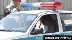 Патрульдік полиция. Алматы, 30 шілде 2012 жыл. (Көрнекі сурет)